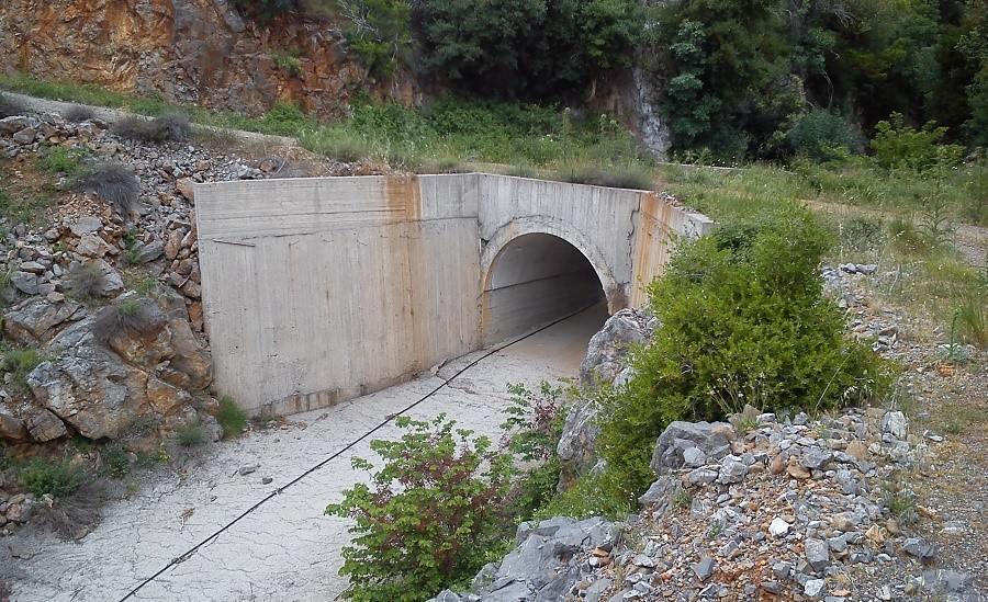 Το Γεφύρι και ο Δρόμος στο Σκαλόρεμμα