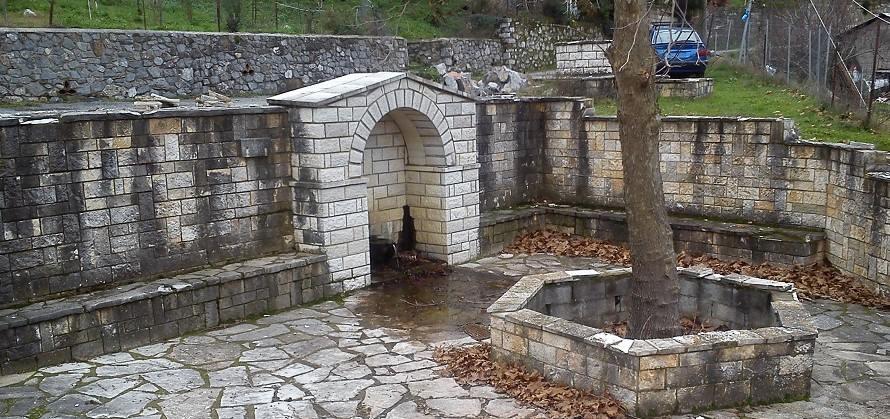 Αποκατάσταση της παραδοσιακής μορφής του Κάναλου και αποκατάσταση της πέτρινης επένδυσης.