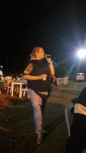 Η τραγουδίστρια